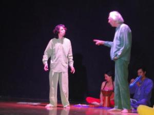 Christoph Baumann y su grupo de teatro fueron parte de la muestra.