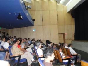 Los pobladores de Coca se reunieron en el auditorio Manuel Villavicencio.